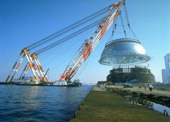 GRUA FLOTANTE EN CONSTRUCCION