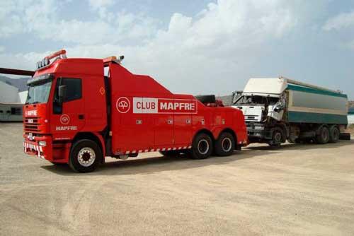 remolque de camiones y maquinaria pesada