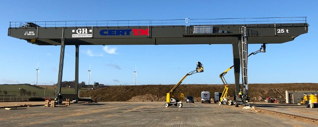 GANTRY CRANE ▷ Portable and mobile - Parts and design - operator