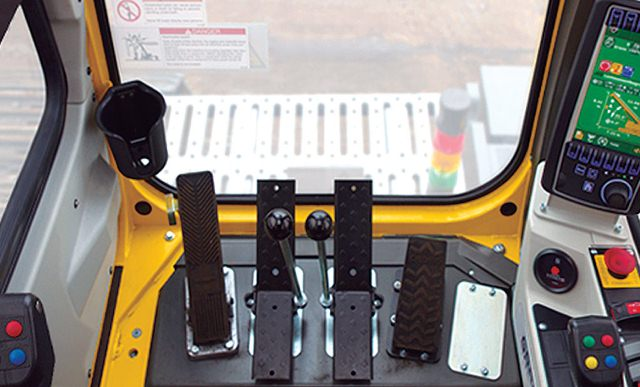 PARTS AND COMPONENTS: telescopic crane, chassis, cabin, mobile cranes, industrial, construction,