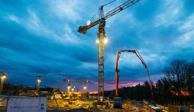 building with heavy machinery, Tower Crane Equipment