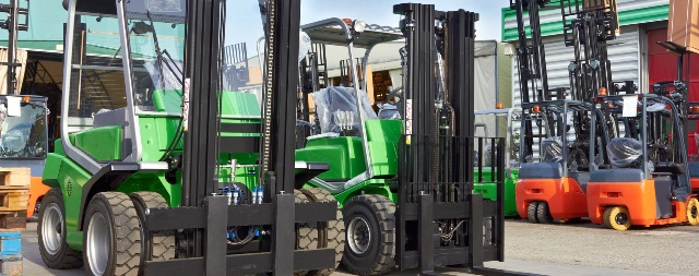 Warehouse Forklift Types Electric Vs Gas Forklift
