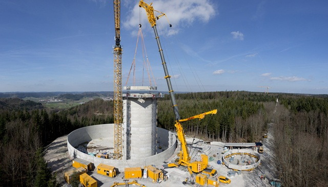 Liebherr biggest crane