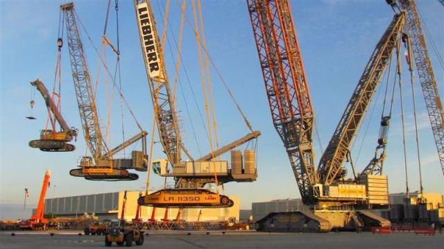 Liebherr crane lifting crane