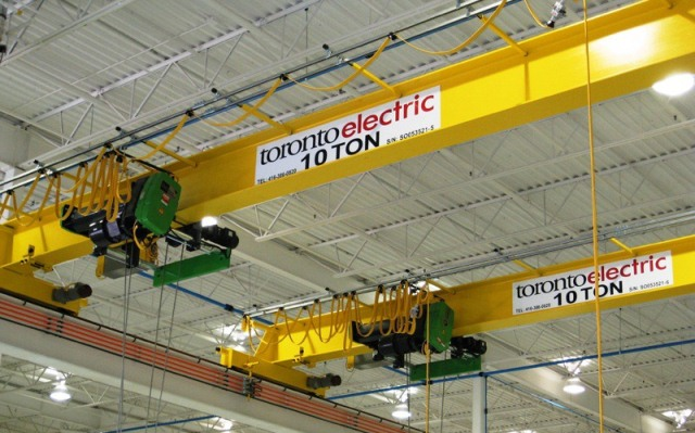 What is overhead crane?