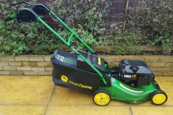 John Deere Self propelled Lawn Mower
