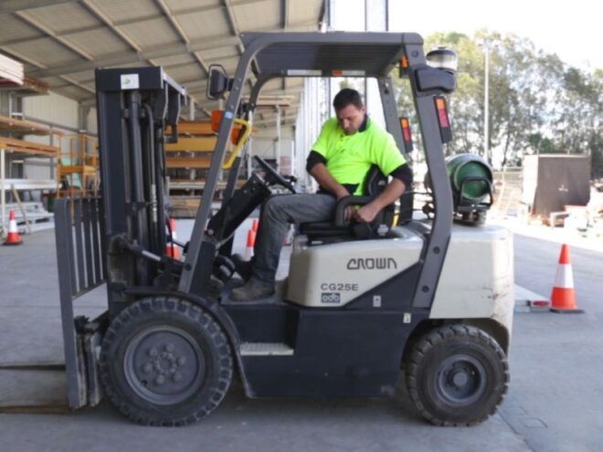 How to drive a Forklift