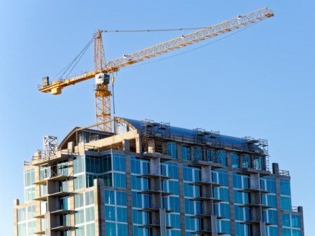 What is a tower crane?