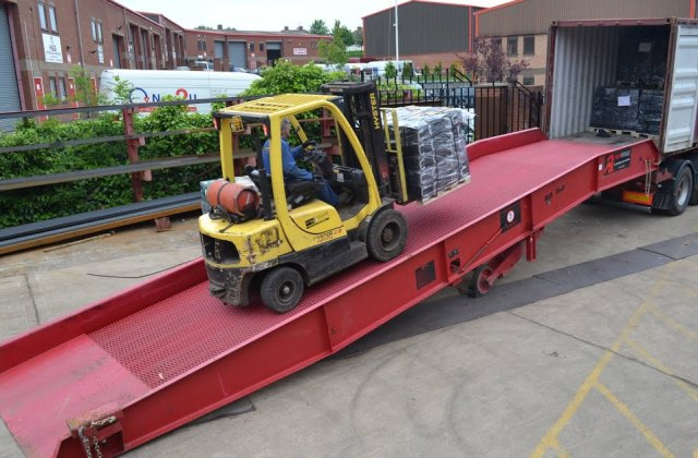 Forklift ramps for containers