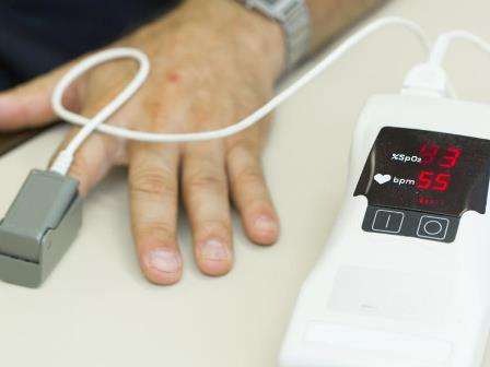 Pulse oximeter for medical use
